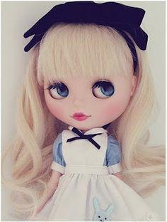 Blythe Doll alice in wonderland