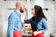 Una pareja suizo-venezolana que nos porpone celebrar el Día de los Enamorados http://blogs.periodistadigital.com/elbuenvivir.php/2018/02/04/p410357#more410357