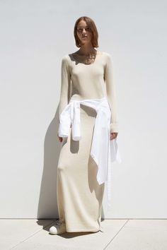 Helmut Lang Resort 2017 Fashion Show Fashion Week, Fashion 2017, High Fashion, Fashion Show, Fashion Outfits, Fashion Design, Fashion Trends, Street Fashion, Helmut Lang