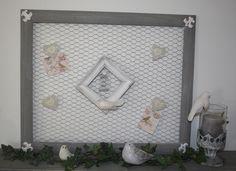Pêle mêle cadre bois avec grillage à poule RESERVE : Décorations murales par la-cage-a-deco