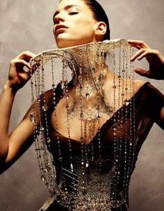Couture Jewelry - Catwalk Heroes Lesley Vik Waddell for Swarovski Runway Rocks Fashion Details, Look Fashion, High Fashion, Couture Details, Glamour, Jeanne Lanvin, Retro Mode, Body Adornment, Neck Piece