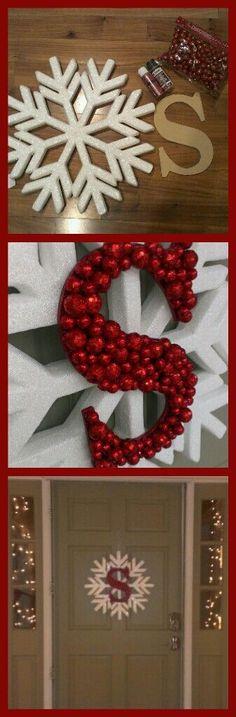 Christmas wreath- large snowflake, cardboard letter, paint  (same color as the balls), glittery balls. Diy Christmas Door Decorations, Diy Door Wreaths Christmas, Winter Wreaths, Christmas Reath, Diy Snowflake Decorations, Diy Christmas Snowflakes, Blue Christmas Decor, Easy Diy Christmas Gifts, Santa Wreath