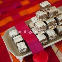 Petits Gâteaux Ζαχαροπλαστείο (για τα γκοφρετάκια) Mini Desserts, Athens, Feta, Dairy, Cheese, Athens Greece
