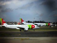 https://flic.kr/p/Qn6zNC | David & Goliath A320-200 & A340-300