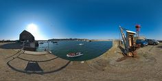 Navigation dans le port de Granville - France © Pascal Moulin