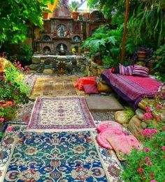 Jeffrey Bale's World of Gardens: Building a Pebble Mosaic Stepping Stone Outdoor Seating, Outdoor Rooms, Outdoor Gardens, Outdoor Living, Outdoor Lounge, Outdoor Balcony, Garden Seating, Wood Gardens, Tea Lounge