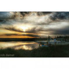 In questo cielo color ruggine I particolari scompaiono... Rimangono i sogni Buttati da qualche parte Rdm by robdamat