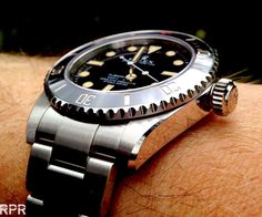 The Heritage Sub – HS01 is the perfect fusion with the legendary Rolex Submariner. Below we see 2 iconic 'Big Crown & 4 liners' next to each other, vintage & modern …