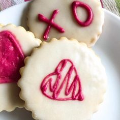 How to Bake Easy Dye Free Cookies and Celebrating Love - The Kitchen Docs Sugar Cookie Dough, Sugar Cookies Recipe, No Bake Cookies, Cookie Recipes, Cherry Hand Pies, Watermelon Salsa, Rice On The Stove, Cooking Basmati Rice, Valentines Day Food