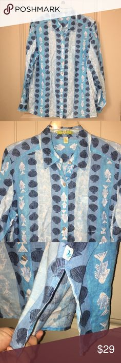 SIGRID OLSEN Beach Seashells linen button Top M This is a SIGRID OLSEN Beach Seashells and Fish graphic linen button Top In a sz M, tunic style with side slits, sleeves can be rolled! Perfect for a cruise or beach vacation! Gently used condition! I ship fast! Sigrid Olsen Tops Button Down Shirts