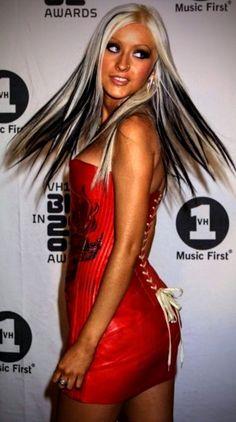 Top 40 Most Beautiful Hair Looks of Christina Aguilera – Celebrities Female Medium Curls, Short Curls, Medium Hair Cuts, Wavy Haircuts, Retro Hairstyles, Down Hairstyles, Christina Aguilera Videos, Blonde Hair Looks, Non Plus Ultra