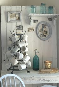 White Lace Cottage: A Fresh Look for the New Year White Cottage, Cozy Cottage, Cottage Style, Cottage Living, Cottage Homes, Kitchen Desks, Kitchen Dining, Style Deco, Farmhouse Chic