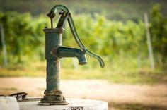 Você não precisa ser técnico para saber escolher uma bomba d'água ou qualquer equipamento hidráulico. É claro que o manuseio desse sistema pode exigir um maior conhecimento, sendo sempre bom ter o auxílio de um profissional na hora de instalar…