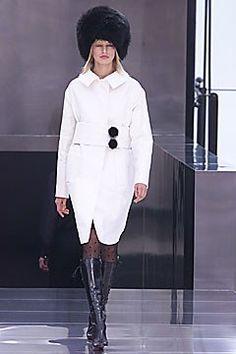 Louis Vuitton Fall 2001 Ready-to-Wear Fashion Show - Karolina Kurkova, Marc Jacobs