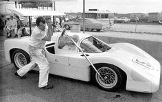 http://www.autodrome.fr/chaparral_2F_tightening_wheel_nut.JPG