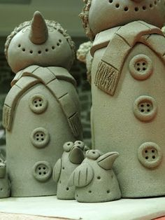 Ceramic workshop Hlinenka The themes throughout A Must involving Porcelain figurine surfaced aimlessly, tossed down Ceramic Clay, Ceramic Pottery, Pottery Art, Ceramics Projects, Clay Projects, Paper Clay, Clay Art, Christmas Clay, Christmas Crafts
