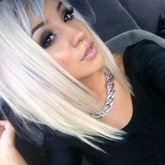 Platinum blonde with long angled bob cut and bangs. loveee this look Love Hair, Great Hair, Gorgeous Hair, Amazing Hair, Hair Dos, Pretty Hairstyles, Blonde Hairstyles, Straight Hairstyles, Hair Hacks