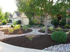 Easy Desert Landscaping Tips That Will Help You Design A Beautiful Yard Residential Landscaping, Mulch Landscaping, Landscaping Supplies, Landscaping With Rocks, Front Yard Landscaping, Landscaping Ideas, Backyard Ideas, Outdoor Ideas, Dessert Landscaping