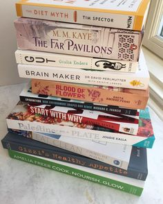 READING MATERIAL for #worldbookday with lots of new #science books and #cookbooks and revisiting my favourite novels. Hugely excited to receive @ameliafreer new book from @botaniclab from their January competition. Also still excited to cook from @joudiefk @palestineonaplate along with @chinghehuang @gizzierskine too. Currently reading @tim.spector The Diet Myth and @giuliaenders Gut book amongst all sorts of other books including about #epigenetics and brain-gut connection. But I still love…