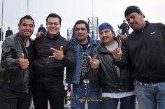 Nezahualcóyotl, Méx. 24 Abril 2013. El alcalde Juan Zepeda estuvo a saludar a los miembros de distintas bandas de rock que este día de se presentaron en la Explanada Municipal, en un interesante encuentro de distintos grupos.