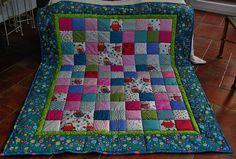 Mädchendecke mit bunten Eulen! Pink, Quilts, Blanket, Bed, Colorful Owl, Handarbeit, House, Stream Bed, Quilt Sets