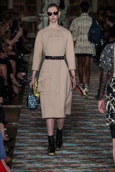 Sfilata Christian Dior Oxford - Pre-collezioni Primavera Estate 2017 - Vogue