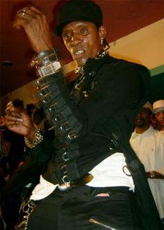 Bogle (Gerald Levy) - znany również jako Mr.Wacky, Father Bogle, Bogle Dancer - to najwazniejsza osoba w historii tańca dancehall. Urodzony 22 sierpnia 1964 roku był twórca wielu pierwszych kroków dancehall i nadał tańcowi na Jamajce zupełnie nowy kierunek. Zainspirował miłością do tańca, stylem ubierania, stylem życia masy ludzi nie tylko na Jamajce, ale również na całym globie. 20 stycznia 2005 roku zginął tragicznie zastrzelony, jednak zawsze będzie nieśmiertelną legendą.