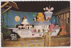 1975 Stars Hall of Fame Wax Museum Shirley Temple Postcard
