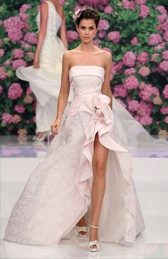 Slit Wedding Dress Model Most brides favor princess fashion wedding ceremony clothes, whereas lots of them accept traditional ones and a few brides simply search for horny des. Slit Wedding Dress, Gorgeous Wedding Dress, Beautiful Gowns, Strapless Dress Formal, Wedding Gowns, Wedding Ceremony, Princess Style, Princess Fashion, Dream Dress