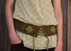The crochet embellishment options are endless! Free Crochet Belt Pattern: Wide Boho Belt by Christina Marie Potter Boho Crochet Patterns, Tunisian Crochet Patterns, Crochet Patterns For Beginners, Crochet Belt, Crochet Headband Pattern, Knit Crochet, Crochet Headbands, Crochet Hair Accessories, Crochet Embellishments