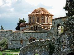 TRAVEL'IN GREECE I Agioi Theodoroi church at #Mystras