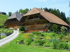 Submăsura 6.4, din cadrul Programului Național de Dezvoltare Rurală (PNDR)… High Quality Images, Switzerland, Sweet Home, Places To Visit, Barn, Country, Nice, House Styles, Forests