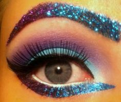 Great eye make up with purple and turquoise blue glitter. Love that glitter brow! Makeup Geek, Makeup Fx, Hair Makeup, Crazy Makeup, Beauty Makeup, Queen Makeup, Eyebrow Makeup, Makeup Tools, Makeup Eyeshadow