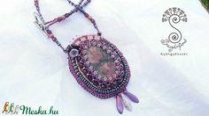 """Hercegnő"" nyaklánc - gyöngyhímzés (sugarfono) - Meska.hu Crochet Necklace, Pendant Necklace, Jewelry, Fashion, Moda, Jewlery, Jewerly, Fashion Styles, Schmuck"