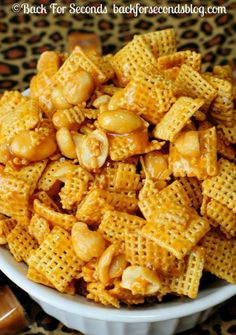 Payday Chex Mix - 5 MINUTES and 4 INGREDIENTS @Backforseconds http://backforseconds.com #payday #saltyandsweet #chexmix