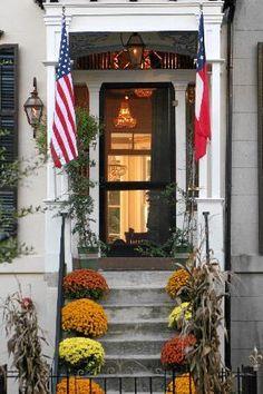 Savannah home in the fall
