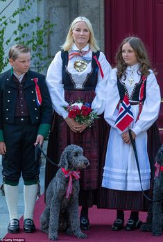 Crown Prince Haakon and Crown Princess Mette-Marit, both were joined by their children Princess Ingrid Alexandra, and Prince Sverre Magnus to take in a colourful parade in Oslo. Old Prince, Young Prince, Norway National Day, Ingrid Alexandra, Smart Coat, Norwegian Royalty, Royal Families Of Europe, Casa Real, Royal Fashion