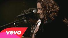 "Ana Carolina, Seu Jorge - É Isso Aí  Love this version of Damien Rice's ""The Blower's Daughter"""
