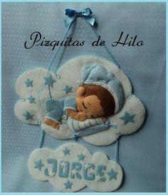 baby boy sleeping wallhanging in felt. Name Crafts, Diy Crafts For Gifts, Felt Crafts, Baby Shawer, Felt Baby, Name Decorations, Felt Name Banner, Baby Mobile Felt, Baby Shower Crafts
