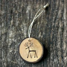 Reindeer Christmas Ornament - Tree Branch Wood Slice Ornament - Rustic and Eco Friendly - Rudolph - Christmas Decor Wood Slice Crafts, Wood Burning Crafts, Wood Burning Art, Rudolph Christmas, Rustic Christmas, Christmas Diy, Beach Christmas, Natural Christmas, Victorian Christmas