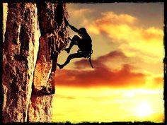 La perseverancia, es de mis mayores cualidades que considero que me distingue, ya que siempre que cometo errores o algo me detiene, no me doy por vencido tan facilmente.