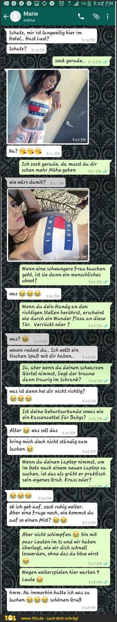 Weihnachten Lustig spiele When she tries to seduce you . Funny Shit, Best Funny Jokes, Good Jokes, Funny Puns, Funny Texts, Hilarious, Humor Texts, Tinder Humor, Funny Humor