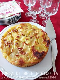 Torta di mele e ricotta ecco la nuova ricetta dolce di la frutta fatta nella cucina di ASI la ricotta la rende delicata e soffice. Ricetta La cucina di ASI