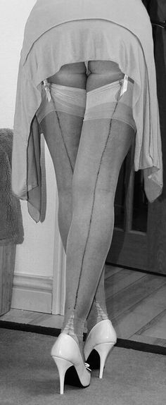Pictures Film Of Ladies In Fully Fashioned Nylons 5