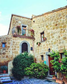 #abitazioni #center #civitadibagnoregio #cittáchemuore #lazio #architettura #architecture #paesechemuore #palazzo #centrostorico #fullofcolors #scorcio #turism #madeinitaly #traveling #instatravel #travelingram #viaggi #italytour #borghi #tourism #trip #travel #volgosocial #tuscia #italytrip #italia #instapic #love #instagram by photo_grafer_live