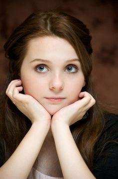 Abigail Restin, as Elie