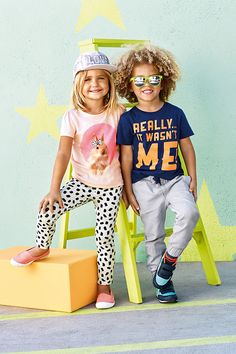 H&M Spring Kids' Collection, in stores now Fashion Kids, Kids Mode, Stylish Little Boys, Kids Collection, H&m Baby, Kids Fashion Photography, Kid Poses, Summer Boy, Winter Kids