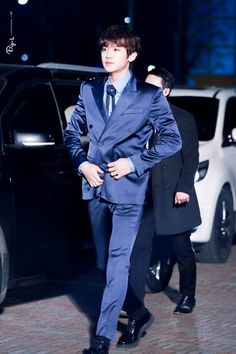 Chanyeol - 170119 26th Seoul Music Awards, red carpet Credit: BIG-L. (제26회 서울가요대상)