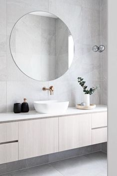 Home Interior Vintage .Home Interior Vintage Family Bathroom, Laundry In Bathroom, Bathroom Renos, Bathroom Renovations, Small Bathroom, Washroom, Bad Inspiration, Bathroom Inspiration, Bathroom Inspo