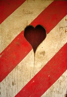 heart: red and white stripes